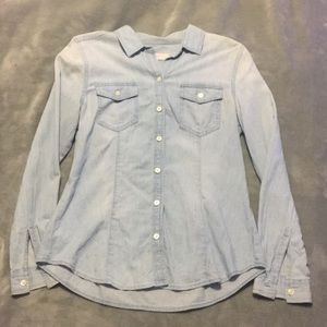 EUC Ann Taylor Loft Chambray Button down blouse